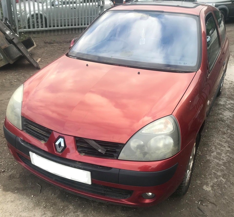Renault Clio Old